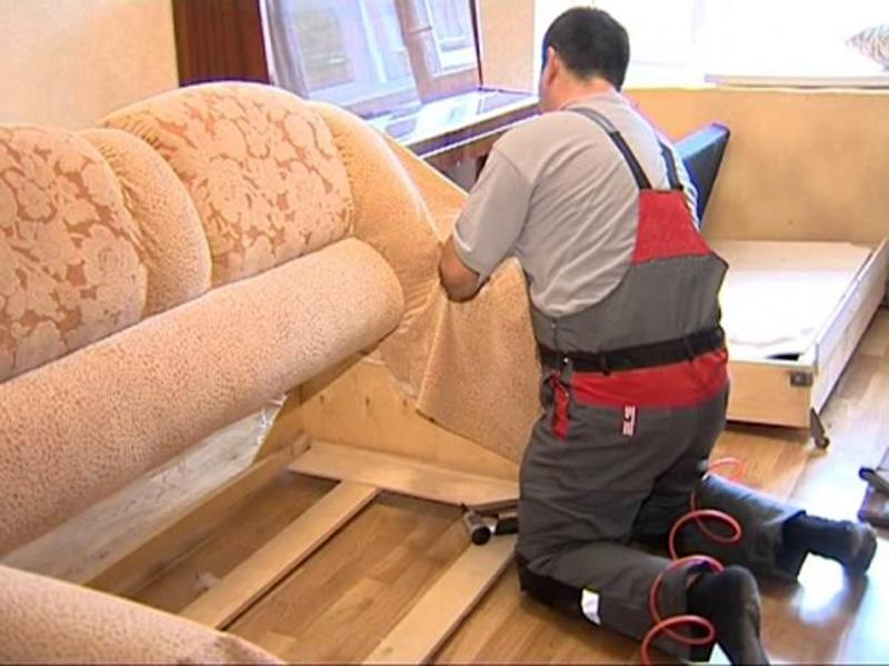 Особенности профессиональной перетяжки мягкой мебели