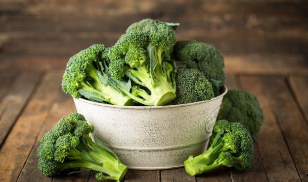 Диетологи назвали продукты, которые нужно есть после 60 лет
