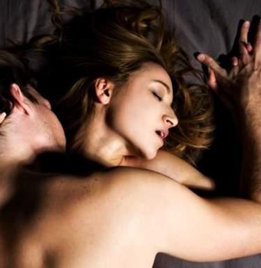 Ученые назвали полезные свойства секса на одну ночь