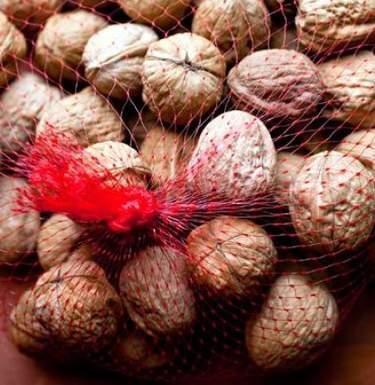 Ученые назвали употребление орехов полезным для сердца