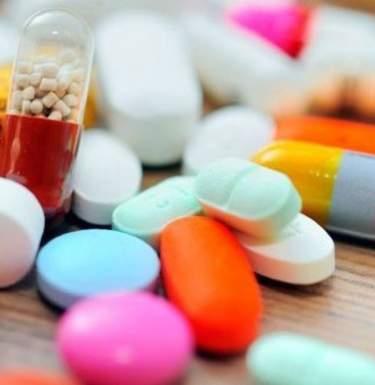 Львовян доступными лекарствами обеспечивают более 700 аптек