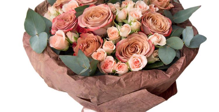 Кустовая роза – изящная классика в изысканных букетах
