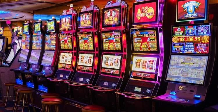 Игровые автоматы на деньги становятся все более доступными