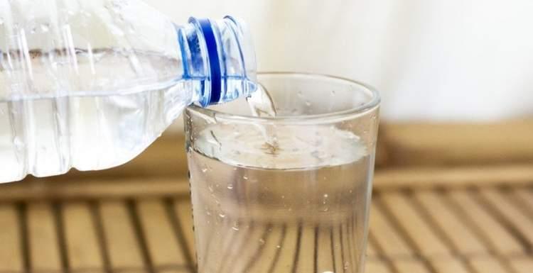 Раскрыта опасность минеральной воды